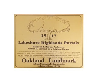 Landmark 19 - Lakeshore Highlands Portals