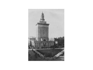 Landmark 28 - Oakland City Hall